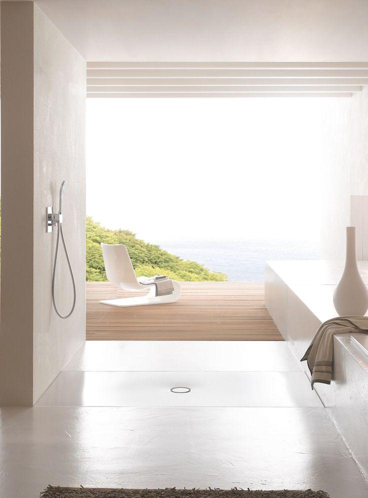 Deze douchevloer van Bette wordt volledig drempelloos in de vloer verwerkt, is veilig en onderhoudsvriendelijk.