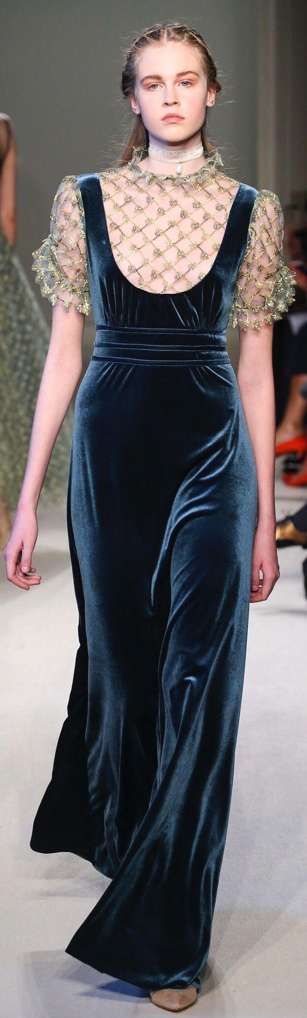 Luisa Beccaria, fall 2016 Ready-to-Wear