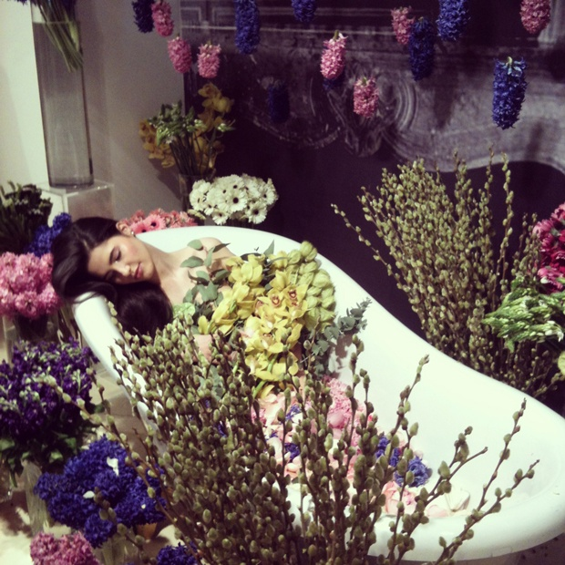 Flori de la Purple Flowers & Events. http://moodboards.ro