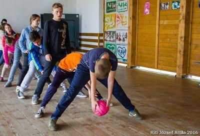 Riti József Attila személyes blogja: Az iskola másként - második nap: KEDD (Válaszút)