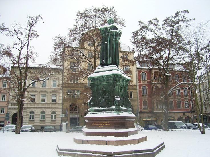 Winter • Lutherdenkmal, Karlsplatz, Eisenach, Thüringen, Germany