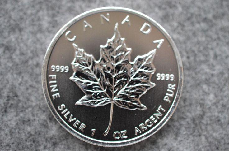 Die EZB druckt Euros ohne Ende und unser aller Vermögen verliert dadurch an Wert. Was soll man also tun? Vermögensberater und Aktienhändler empfehlen, das man ca. 10% seines Vermögens in Edelmetalle wie Gold und Silber anlegen sollte. Nutzen Sie also jetzt die Gelegenheit und kaufen sich eine Maple Leaf Silbermünze. 5 canadische Dollar aus 1 OZ 999er Feinsilber/ 1OZ Fine Silver Elizabeth II 2009 Canada. #silver #coins #buy #silbermünzen #mapleleaf #ebay #silber