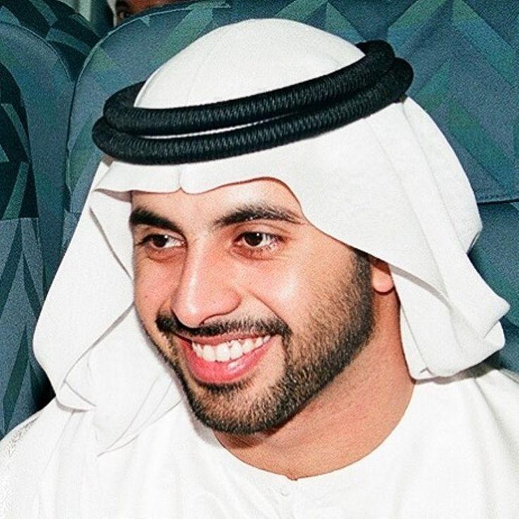 Maktoum bin Hasher bin Maktoum Al Maktoum. Vía: fanan.8