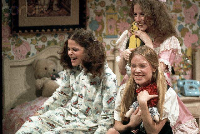 Gilda Radner, Laraine Newman and Sissy Spacek on SNL (1977).