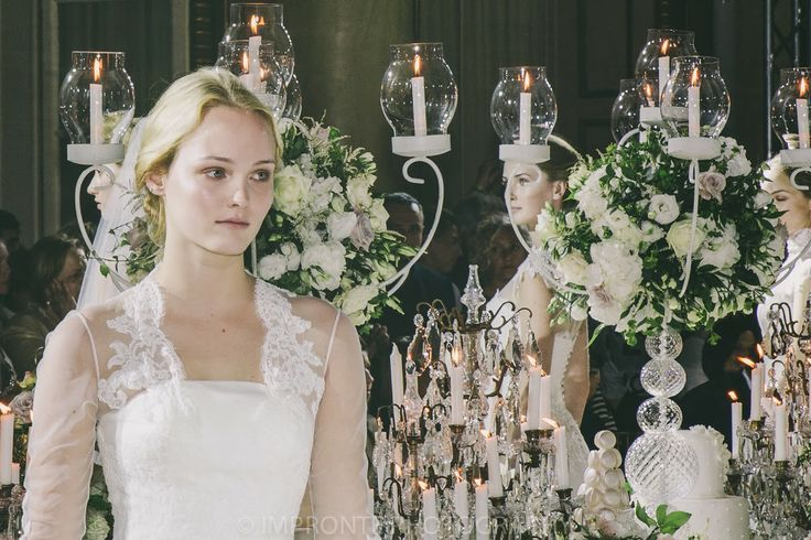 ABITI DA SPOSA 2015: ENZO MICCIO PRESENTA LA SUA PRIMA BRIDAL COLLECTION - Decor candelabro com arranjo