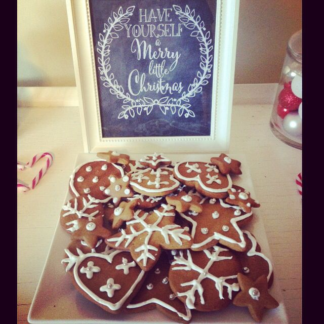 Christmas gingerbread cookies by @stephabubbles