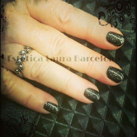More in Facebook: Estetica Laura Barcelona  Semilac with Diamond Cosmetics