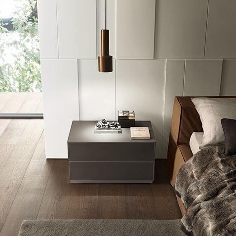Contenitori zona notte _ Comodino Self Rimadesio da www.spaziomateriae.com Napoli  Rimadesio Self  bed side unit in grigio ombra mat lacquered glass
