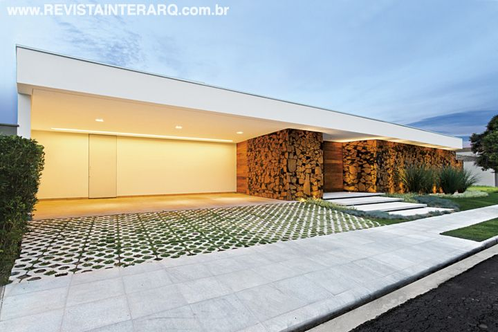 R/7 MILA RICETTI - P100 | Revista InterArq | Coletânea . Luxo . Interior SP . Customizadas