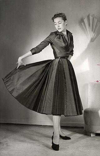 Womens' Fashion 1950s