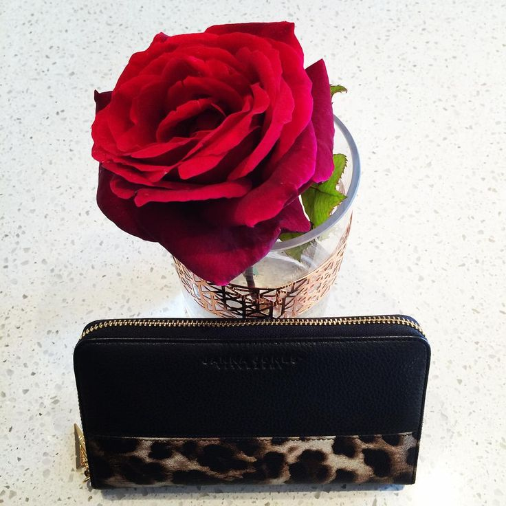 A Rose by any other name. With the #GalleriaPurse in black oil grain and leopard print leather #LuxuryLeathergoods #JANNAJONESAustralia #Purse #Bag #Handbag #AustralianDesigner #Perth
