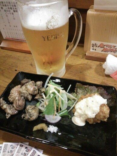 呑喜@湯島。こちらも食べないと飲まナイトで1チケット。宮崎地鶏の炭火焼き、ジューシーでうまし!