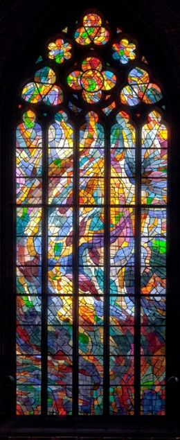 Alfred Manessier, 1966   « Pfingstfenster »   -   Östl. Stirnfenster im Chorraum der U.L.Frauen-Kirche, Bremen   -   Foto: Roman Mensing