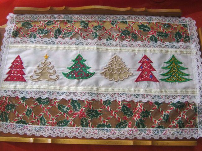 EWV008 – Applique Christmas Trees