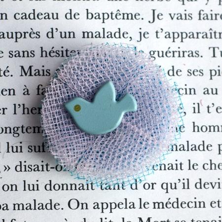"1.4"" Fabric brooch 'Aurore' - $13.30  #broche #brooch #tulle #peachbanana"