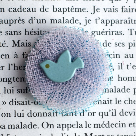 "1.4"" Fabric brooch 'Aurore' - $13.30  #broche #brooch #tulle #peachbanana"