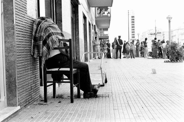 Letizia Battaglia -  Palermo, 1975. Dopo i colpi del killer restò seduto sulla sedia, senza cadere