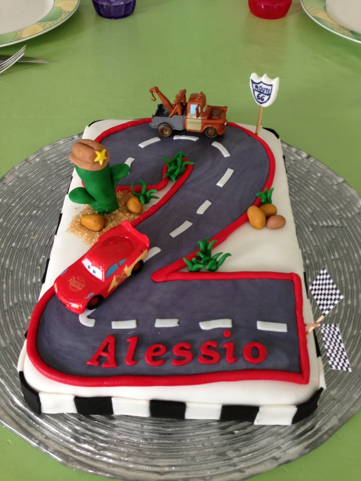 Cars - tow mater/ mcqueen cake