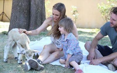 cotibluemos: Alicia Silverstone se desnudó por PETA