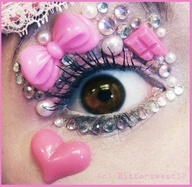 Decora/ fairy kei eyes: .... One thing to say: I WANT TO SCRATCH MY EYES OUT JUST LOOKING AT THAT!!! ****nasty!