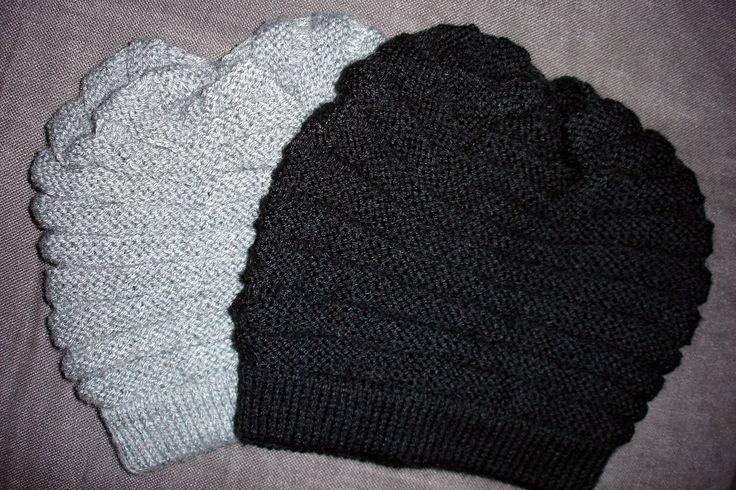 j'ai envie de dire mon super bonnet wurm, parce que... - grâce à lui, j'ai appris à tricoter avec des aiguilles circulaires (technique du magic loop!) - j'ai eu des commandes !!! - et je crois que les personnes, pour lesquelles je l'ai fait, l'aiment...