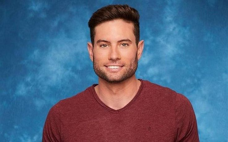 A man with roots in South Mississippi is one rose closer to stealing the heart of attorney Rachel Lindsey on ABC's 'The Bachelorette,' but Bryce Powers is not getting love from the LGBTQ community.