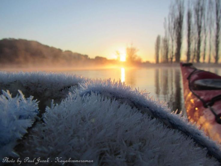 Some beautiful shots from @PaulJurak this morning at the lake. See more of his work here: http://www.canberratimes.com.au/act-news/by/Paul-Jurak… pic.twitter.com/6BWIYmn2un