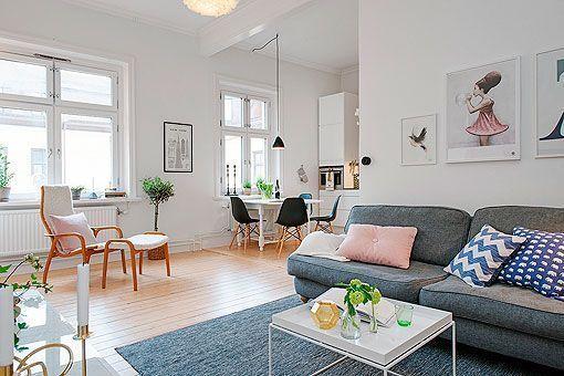 Salón, comedor y cocina de un apartamento femenino