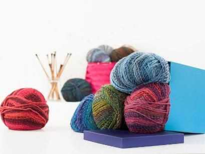 Machine-washable and wonderfully colorful - what's not to love about Marble Chunky? This versatile James C. Brett yarn offers a generous 341 yards per skein, and is an ideal match for cozy sweaters...