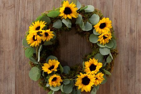 Easy DIY Sunflower Wreath