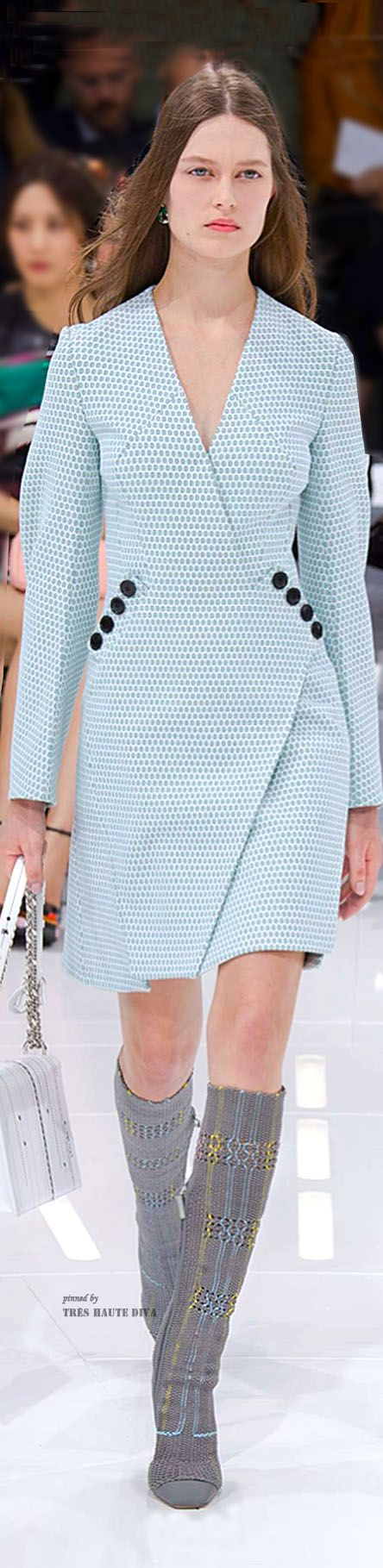 Fresh take on the wrap dress. Christian Dior - S 15
