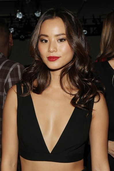 Jamie Chung Long Curls - Jamie Chung wore her hair in oh-so-pretty curls during…
