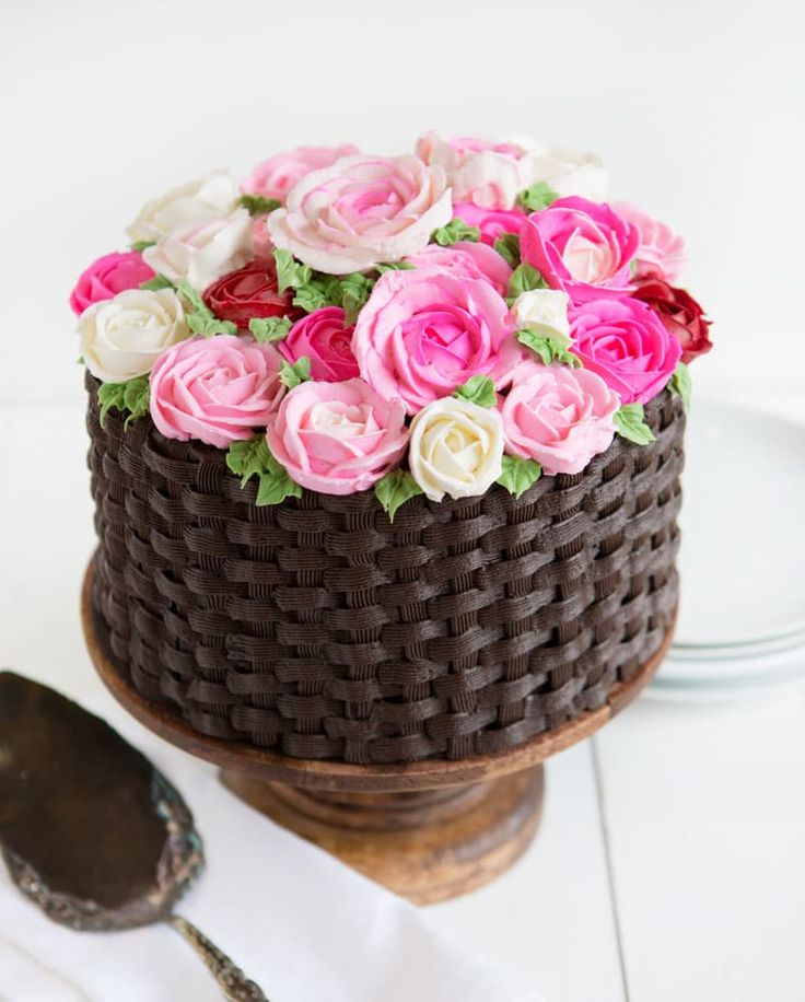 Basket of Flowers Cake - Simple, fun, and most definitely a crowd pleaser! {VIDEO}
