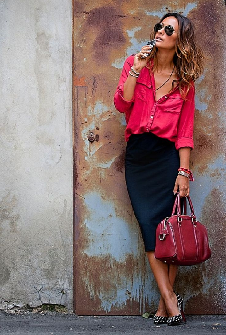 Corporate Pink Shirt with Feminine Pencil Skirt - 25 Trendy Office Outfit Ideas for Hot Days   GleamItUp