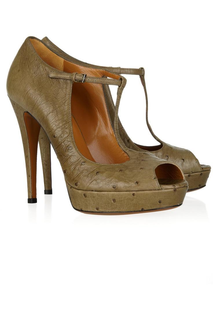 ME ENCANTAN!: T Strap, Peep Toe Pumps, Shoes, Fashion, Style, Ostriches, Gucci Ostrich, Peeps, Ostrich Peep Toe