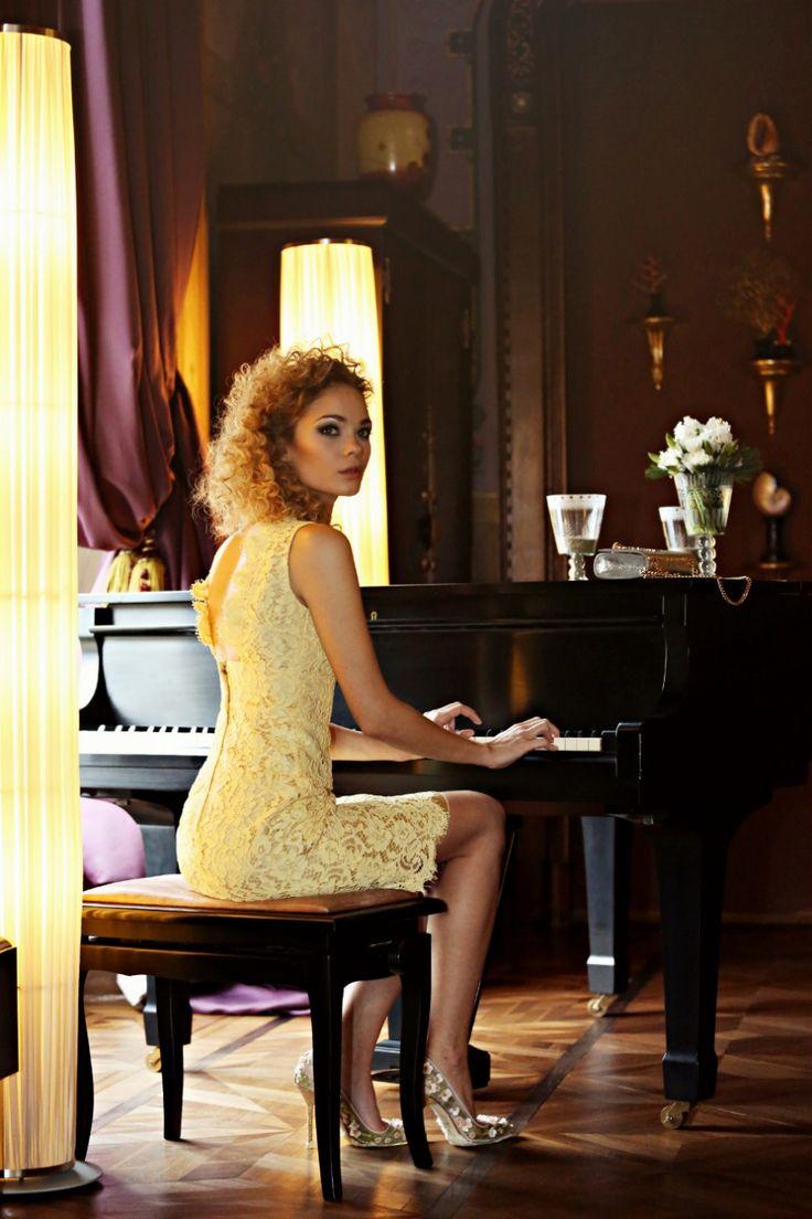 abito in pizzo giallo dolce & gabbana luisa via roma firenze forever villa cora