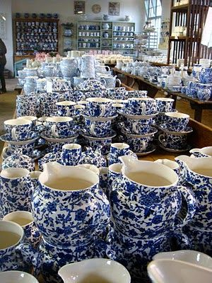 A Tale of Two Cities: Field Trip to the (Staffordshire) Potteries. New china in traditional patterns - how pretty!