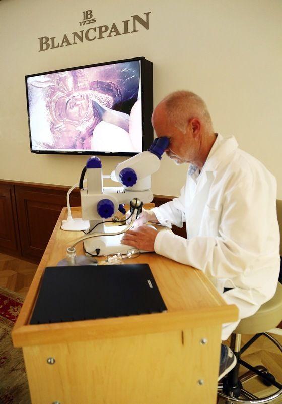 Blancpain-engraver-Christophe-Bernardot