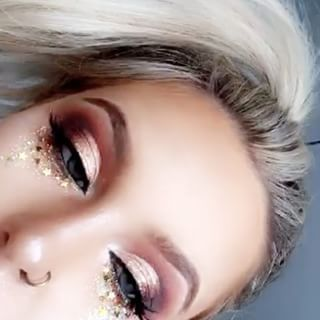 Open-Minded Glitter Powder Eyeshadow Makeup Sequin Diamond Colorful Glitter Gel Shiny Body Mermaid Festival Powder Pigment Makeup Cosmetics Bright And Translucent In Appearance Eye Shadow Beauty Essentials