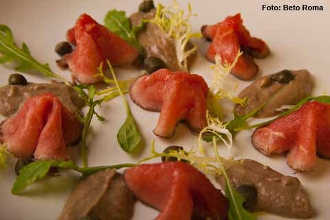 Resto Ipanema - Vitelo Tonnato  Carpaccio de de Roast Beef com molho de atum e alcaparras (almoço)