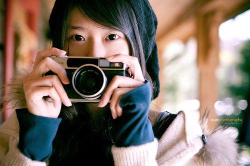 Hexar Girl (Explored) (via Ziyan | Photography) 作ったまま放置していた(というか忘れていた)カメラ女子tumblr。多分もう更新しないと思いますが、2009年〜2010年くらいにポスト、リブログした「カメラ女子」がまとめてあります(約1500ポスト。但し当時手動でやったのでダブり多し)。  http://camera-girl.tumblr.com