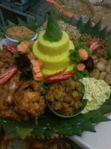 Catering tumpeng 085692092435: 0811-8888-516 Pesan Nasi Tumpeng Di Rawamangun