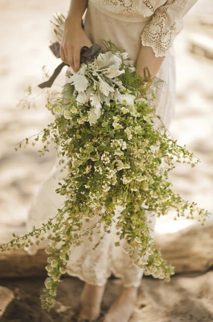 Lady's Mantle & Seneco Cineraria bouquet - get more inspiration at diyweddingsmag.com #bouquet #wedding