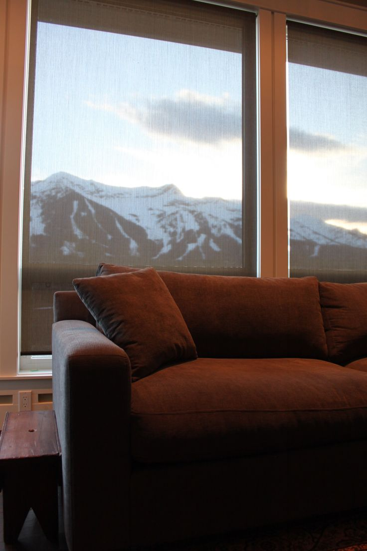 Roller Shades I Simple and easy to use, roller blinds come with hundreds of fabric choices - sheers to opaques, patterns to textures, and traditional solid colors. Contact us at www.urbansettler.com to set up your Fernie/ Elk Valley consultation.