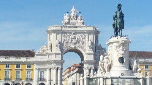 Stately... #Lisbon #Lisboa #Portugal #Architecture