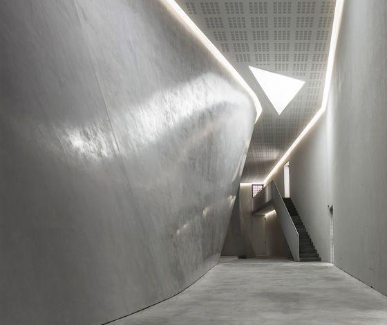 Palazzo Grassi Teatrino. Concrete and natural light, two elements that are omnipresent in the works of Tadao Ando; photo ORCH orsenigo chemollo