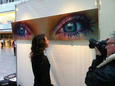 Kats Original Open Eyes a Telling Story. Certified Fine Art PhotoRag print. 40x 200 cm Diasec 2 mm mat acrylaat / 4 mm Alu-Dibond.  Op de nationale kunstdagen Den Haag 2013