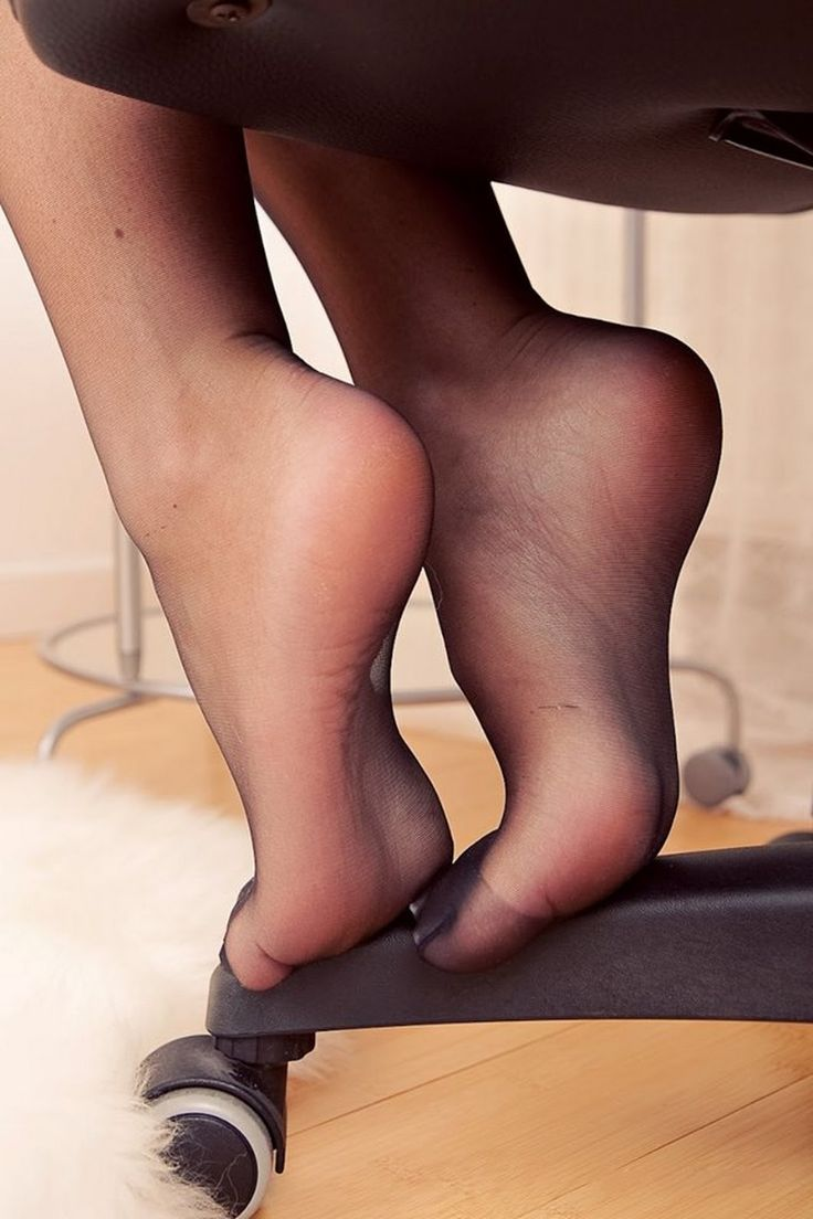 Sexy black nylon feet-5194