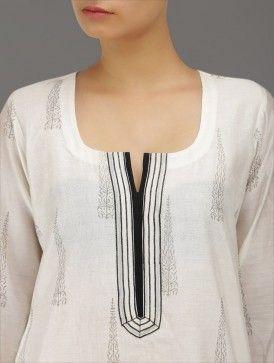 neckline / yoke