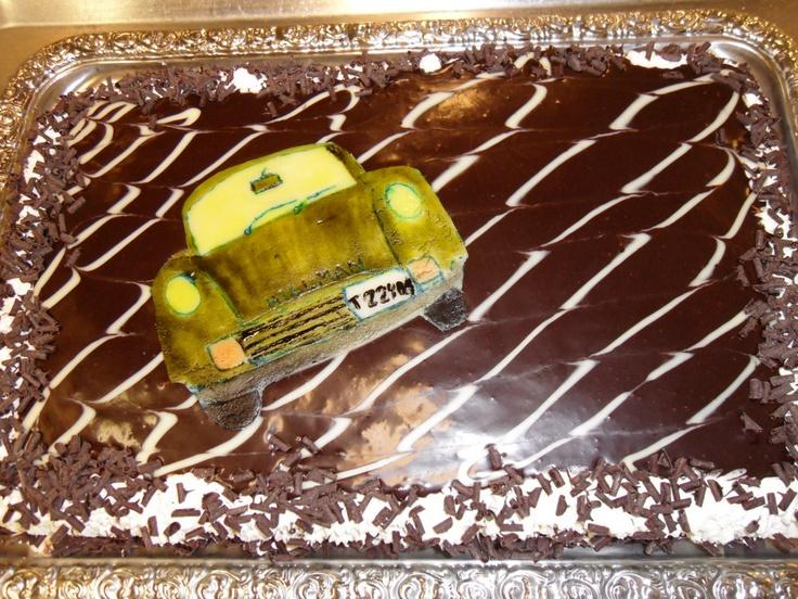 Katsastus-elokuvan ennakkonäytöksen kakku